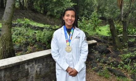 Doctora Fabiola Núñez, campeona de oro centroamericano en remo