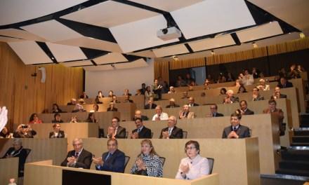La FacMed reconoce a sus académicos en retiro