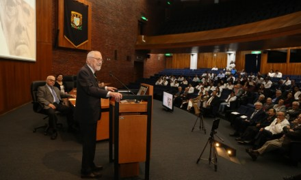 Reconocimiento a la obra literaria del doctor Ruy Pérez Tamayo