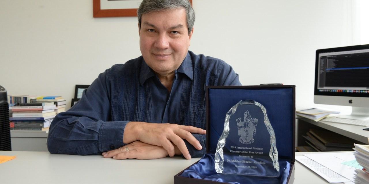 El doctor Melchor Sánchez recibió premio del Colegio Real de Médicos y Cirujanos de Canadá