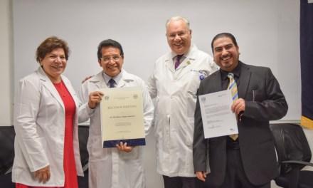 El doctor Omar Carrasco Ortega, jefe del Departamento de Farmacología