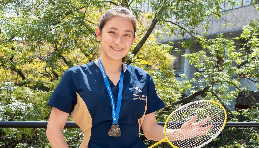 Alumnos de Fisioterapia. Ganan oro en bádminton y karate en Juegos Universitarios.