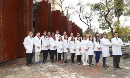 55 alumnos integran la primera generación de tutores pares