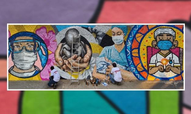 Mural dedicado al personal de enfermería que enfrenta a la COVID-19