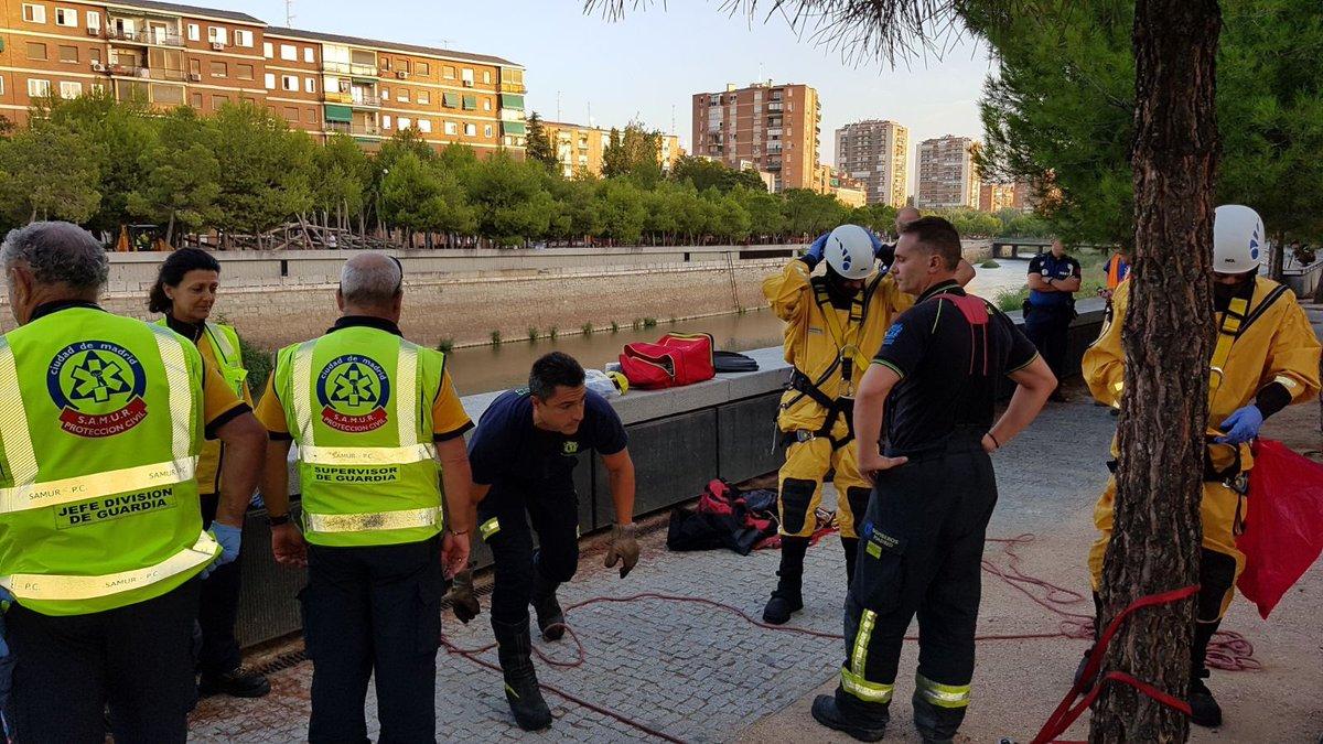 Un hombre de 35 años herido grave al caer al río Manzanares desde una altura de 8 metros