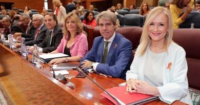 Martos y Taboada dejan el Gobierno de Cifuentes y Jaime de los Santos asume la nueva Consejería de Cultura