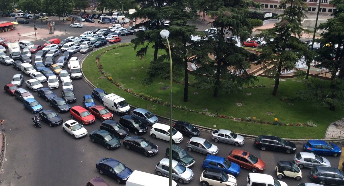 La Plaza Elíptica bate el récord de contaminación del aire duplicando el máximo que se considera tóxico