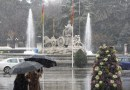 La lluvia y las rachas de viento de hasta 90 km/h azotarán hoy Madrid
