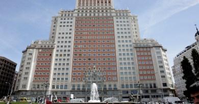 El Pleno de Madrid rechaza los cambios en la catalogación del Edificio España por la ausencia de un voto del PSOE