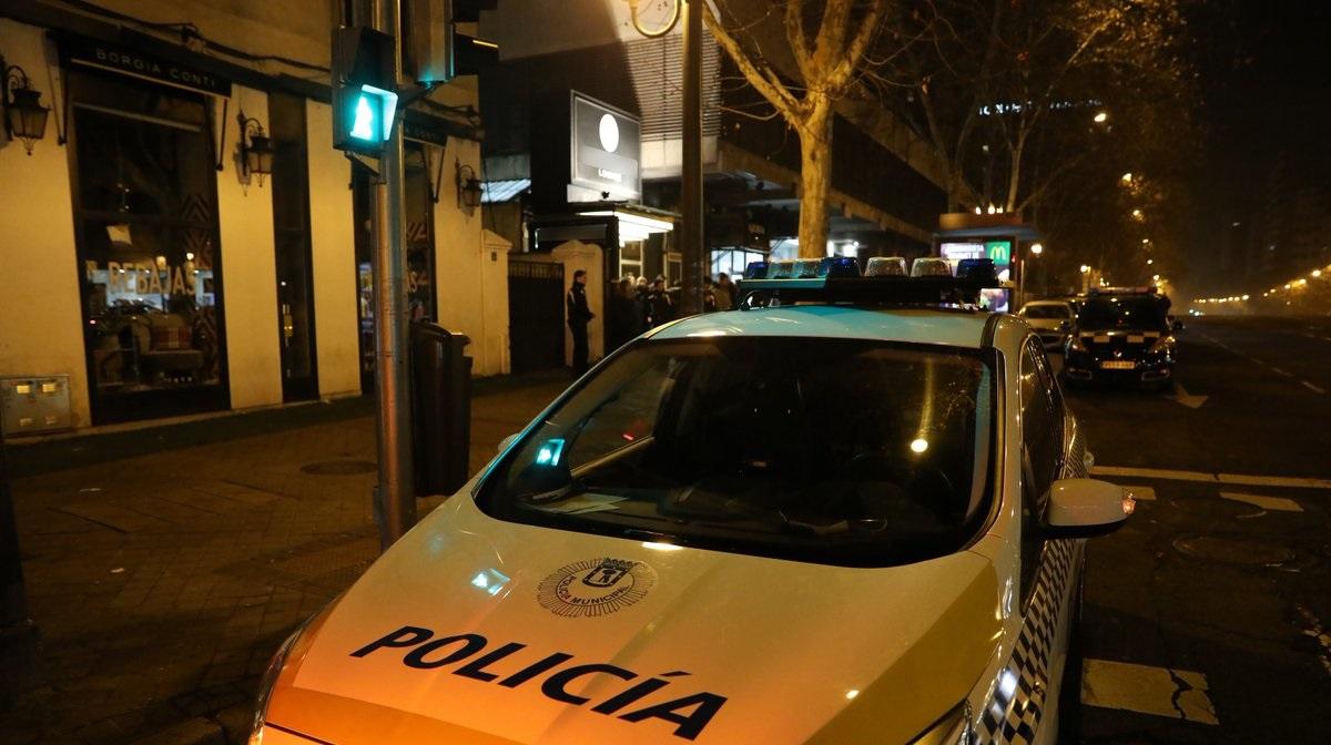 Detenido por tener atado a su hijo de 10 años en una tienda de alimentación de Ciudad Lineal