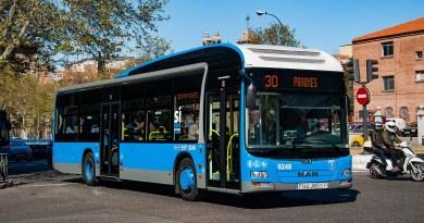La EMT de Madrid refuerza desde este lunes otras 11 de sus líneas con hasta el 20% más de autobuses