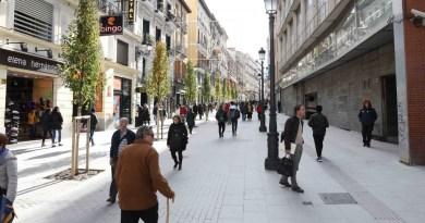 La calle Carretas estrena imagen con el peatón como protagonista