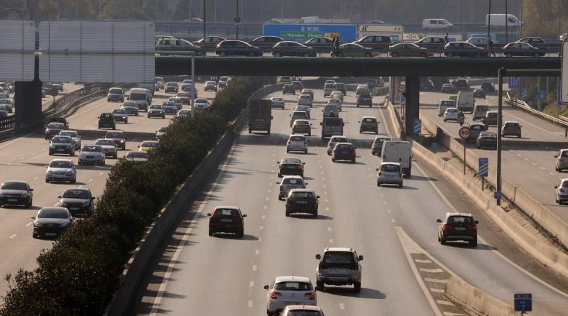 Más Madrid, PSOE, Ecologistas y Ministerio rechazan el regreso de los vehículos C al centro de Madrid