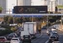Greenpeace denuncia la contaminación en Madrid con pancartas sobre la M-30