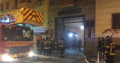 Tres personas heridas leves en un incendio en el Acuartelamiento Conde de Humanes de Chamberí