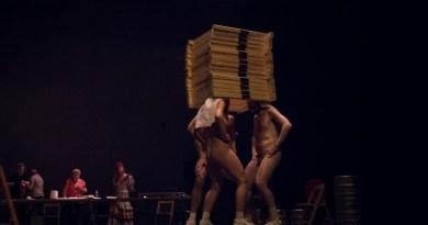 'Más Libres' entrega este martes a Carmena más de 26.000 firmas contra la obra teatral 'Dios tiene vagina'