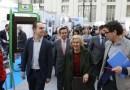 La alcaldesa visita Rehabitar Madrid, la feria dedicada a las reformas del hogar