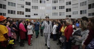 La ópera vecinal vallecana 'Kópera' denuncia con humor la especulación inmobiliaria