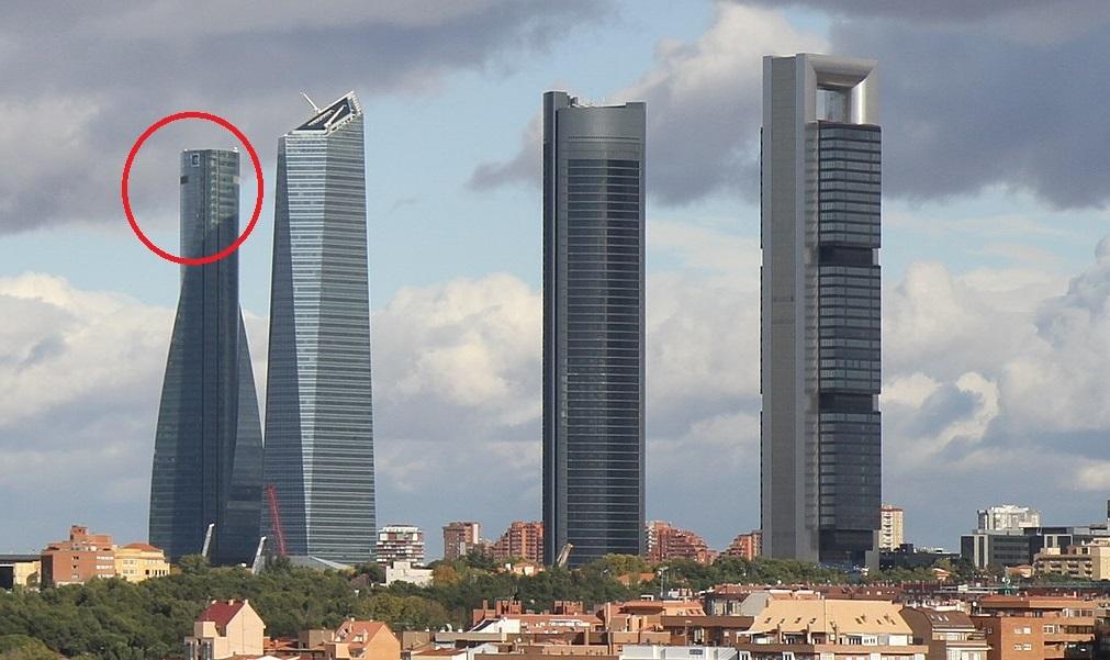 Desalojan la madrileña 'Torre Espacio' por un aviso de bomba