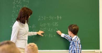 CCOO denuncia el aluvión de tareas no docentes sobre el profesorado madrileño