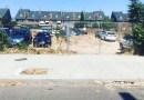 Más Madrid denuncia la conversión de un solar residencial de Barajas en el parking de una empresa