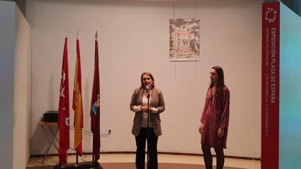 Loreto Sordo se reúne con los vecinos de Moncloa para explicarles la remodelación de plaza de España