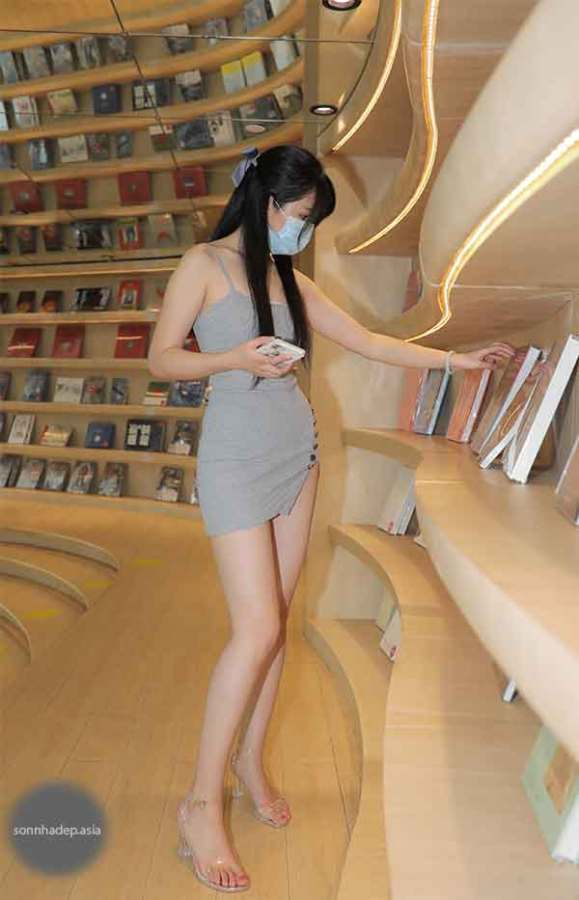 vóc dáng sexy shopping sách