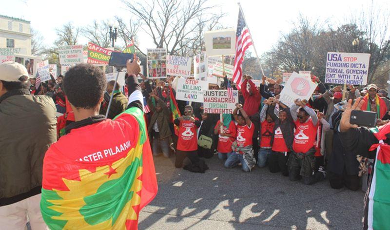 Oromo diaspora rally at the White House and US State Department demanding the US to cut aid to Ethiopia. [Photo by Habtamu Dugo]