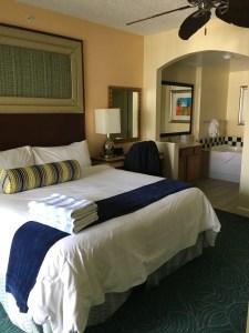 Un-refurbished Marriott Ocean Pointe Bedroom from review