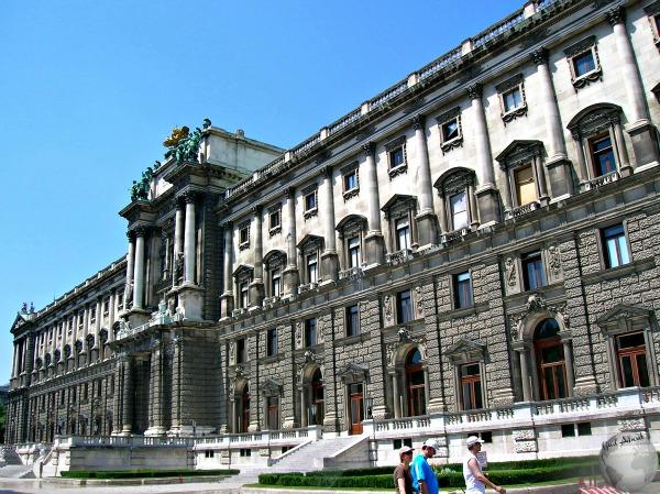 Hofburg_2244372970096713974