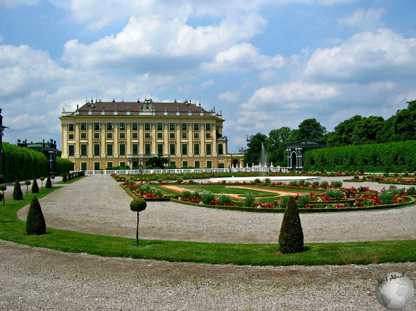 Schonburg Palace_2524949200096713974