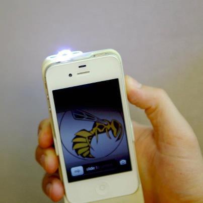 防犯に最適、ワイルドすぎる!!スタンガンになるiPhoneケース
