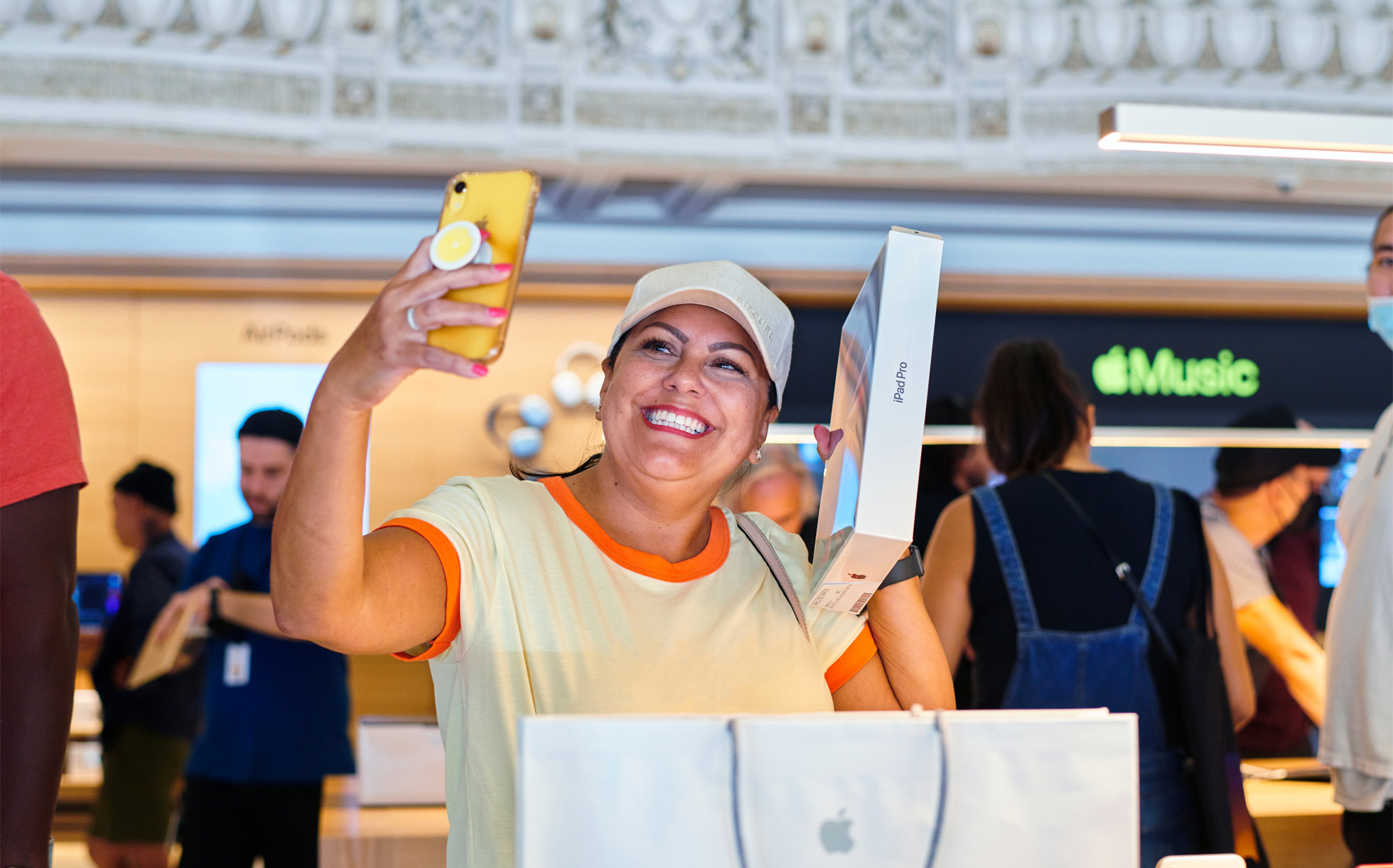 Apple Tower Theatre now open in downtown LA customer with new iPadPro 062421