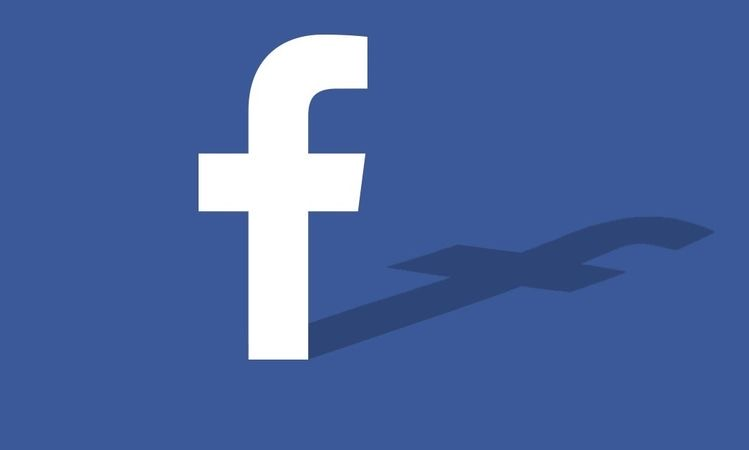 """Facebook testing """"Threads"""" button feature for posts"""