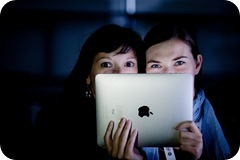 Ipads Girls by mgratzer on Flickr
