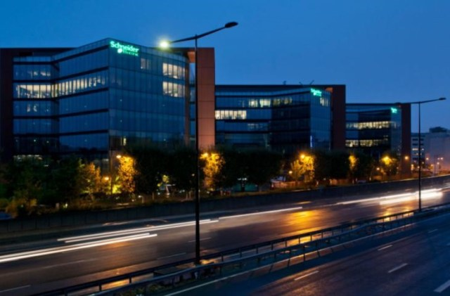 Schneider-Electric-y-Accenture-se-asocian