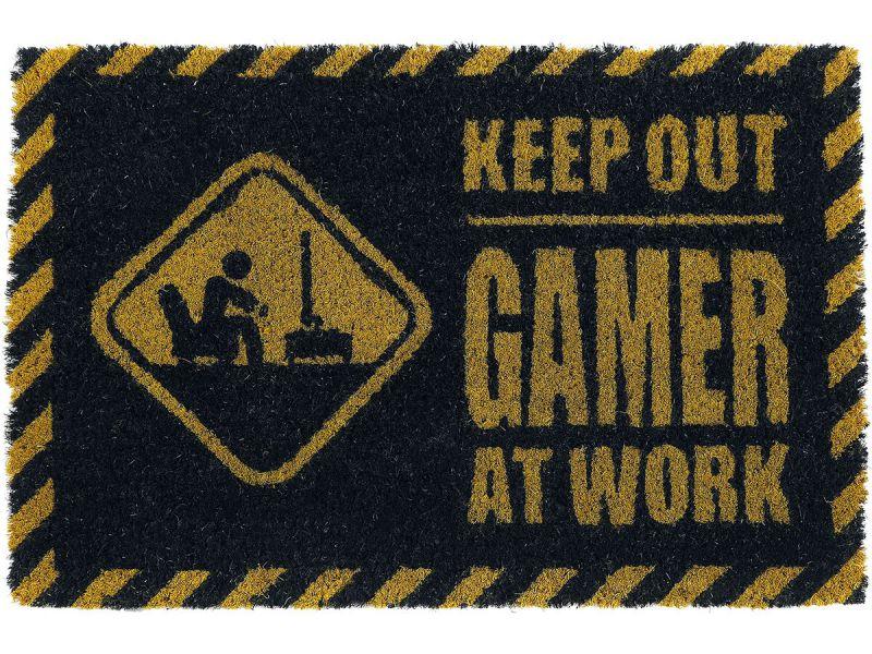 Fumatte Gamer at work