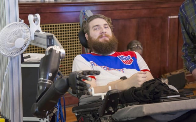 brain-chip-helped-paralysed-man-move-his-finger