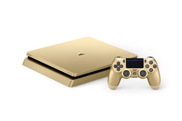 PS4 2000 Gold 03