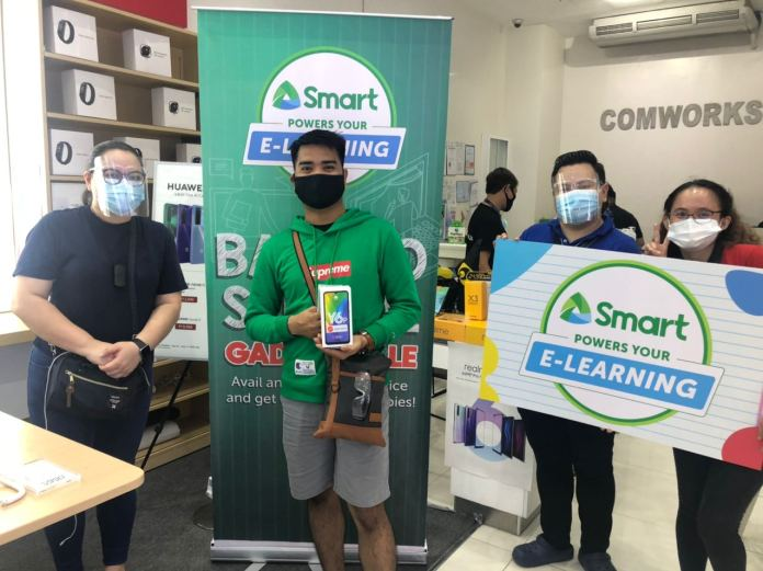 Jay Quirante - Parents, teachers benefit from Smart's Back-to-School Gadget Sale 1