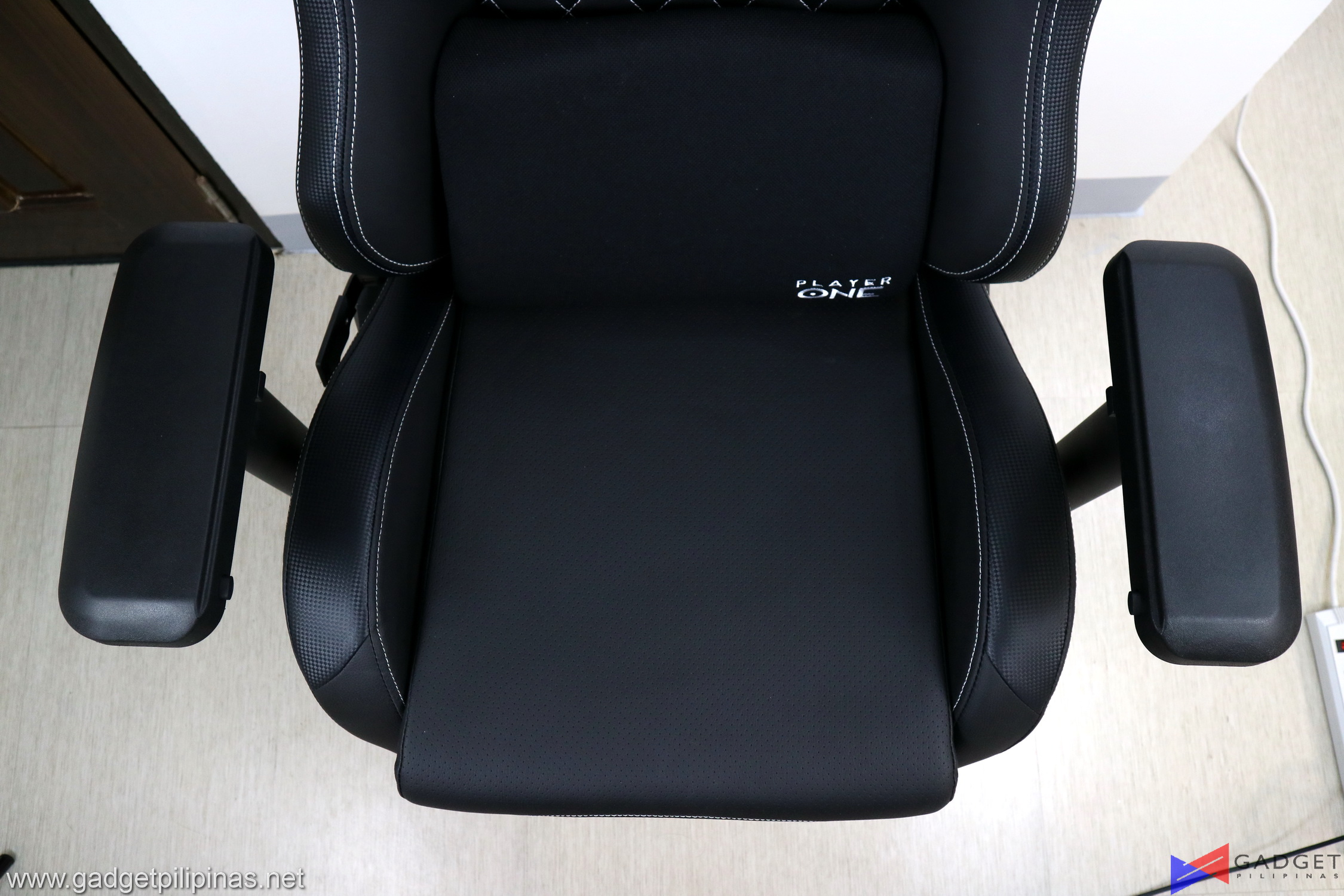 Player One Ghost v2 Gaming Chair Review 093