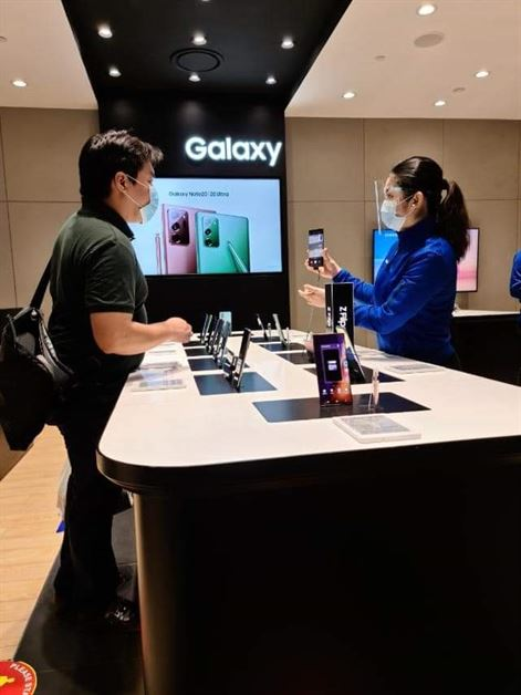 Samsung Experience Stores (2)