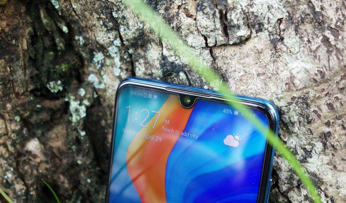 Lite merupakan smartphone dengan harga termurah dari keluarga P Review HUAWEI P30 Lite – Smartphone Terjangkau dengan RAM 6GB dan 3 Kamera Utama