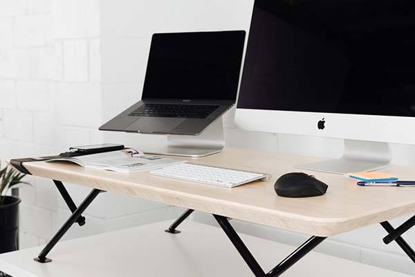 MOVI Automatic Standing Desk with Integrated Timer and USB
