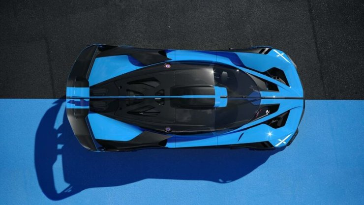 Bugatti unveils Bolide hypercar: 1825 horsepower and 1240 kilograms