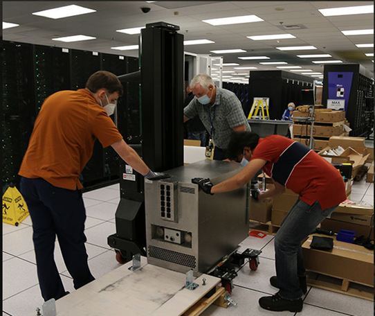 Giant Cerebras Processor Hundreds of Times Faster than NVIDIA's GPU-Based Supercomputer
