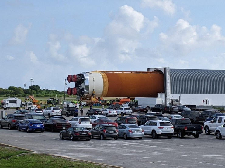 Photo gallery of the day: NASA's super-heavy rocket arrives in Florida for the Artemis-1 lunar mission