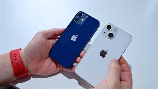 iPhone 13 Mini, iPhone 13, iPhone 13 Pro and iPhone 13 Pro Max compared to iPhone 12 in live photos