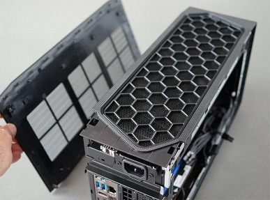 The most powerful Intel NUC mini PC.  NUC 11 Extreme with Tiger Lake desktop CPU disassembled for the first time