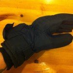 Electrically heated Thinsulate gloves hands-in review